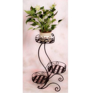 Peremes három cserepes kovácsoltvas virágtartó állvány.